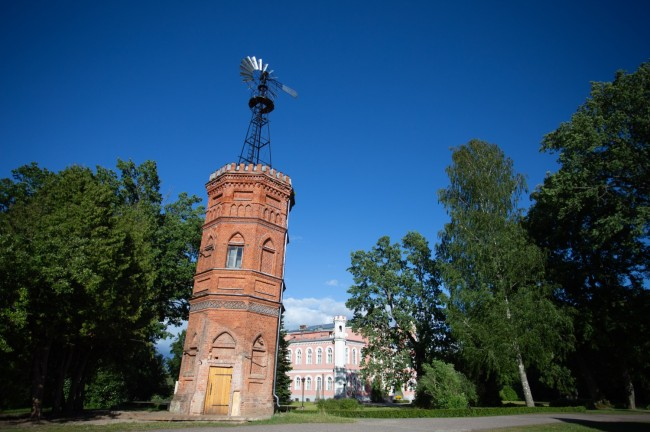 Bīriņi water tower